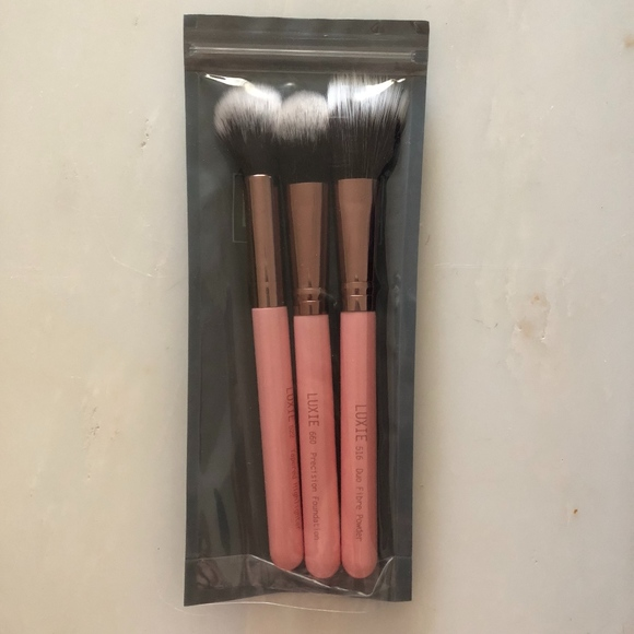 Luxie Other - Luxie Face Brush Set